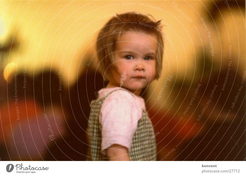 Loreen Kind Wärme Stimmung Hintergrundbild süß weich Physik Freundlichkeit Porträt