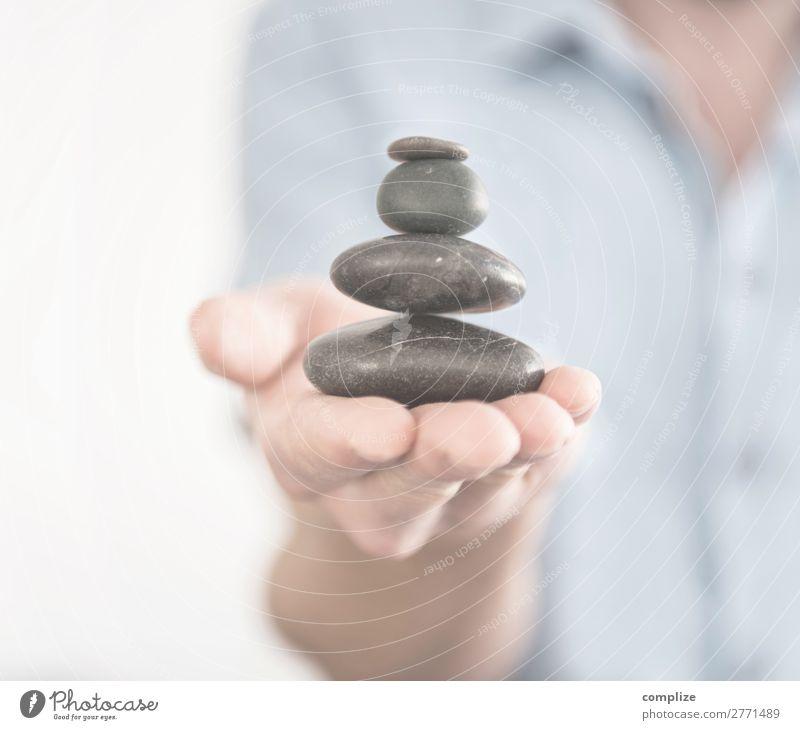 Balance | Steinturm Balancieren Gesundheit Wellness harmonisch Wohlgefühl Erholung ruhig Meditation Spa Massage Sauna Frau Erwachsene Mann Zeichen Vertrauen