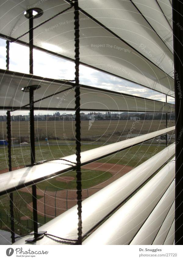 Streifen-Blick Karlsruhe Fenster Baseball Alter Flughafen Berufsakademie Knielingen Baseballplatz Jalousine