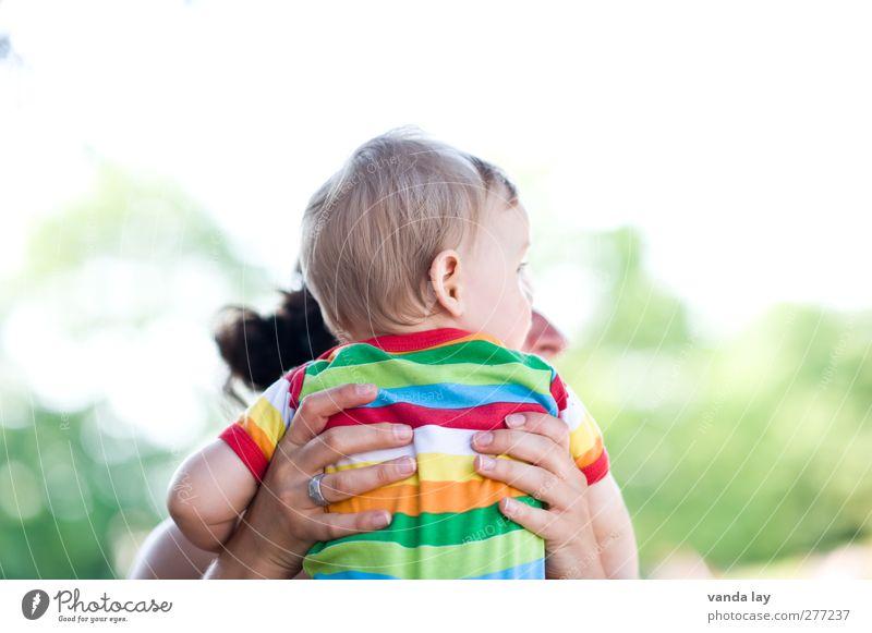 Schau mal Mensch Frau Kind Jugendliche Erwachsene Glück Familie & Verwandtschaft Zusammensein 18-30 Jahre Baby Kindheit Zukunft Mutter Sicherheit Schutz Kleinkind