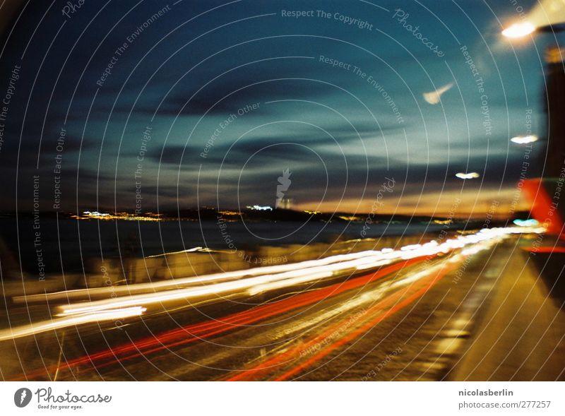 Something About The Fire Himmel blau Stadt rot gelb Straße Küste Horizont außergewöhnlich Geschwindigkeit fahren Hafen Jagd Mobilität Autofahren Surrealismus