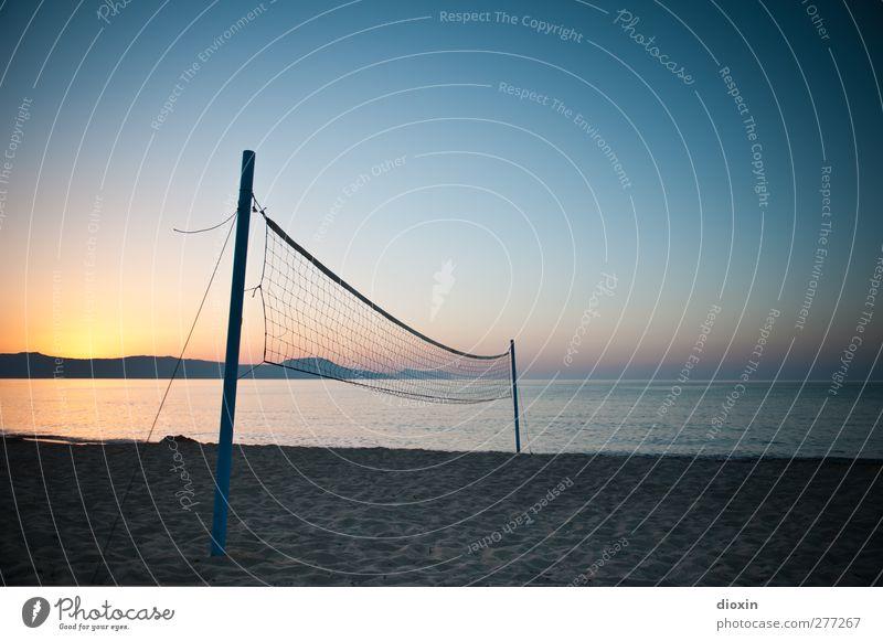 Sandsport Freizeit & Hobby Spielen Beachball Volleyball Volleyballfeld Volleyballnetz Ferien & Urlaub & Reisen Tourismus Ausflug Sommer Sommerurlaub Sonne Meer