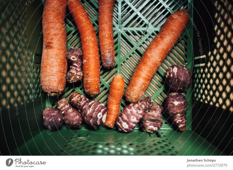 Möhren und Topinambur in der Bio Kiste Gesunde Ernährung Gesundheit Lebensmittel Gesundheitswesen ästhetisch kaufen Gemüse Landwirtschaft Essen zubereiten