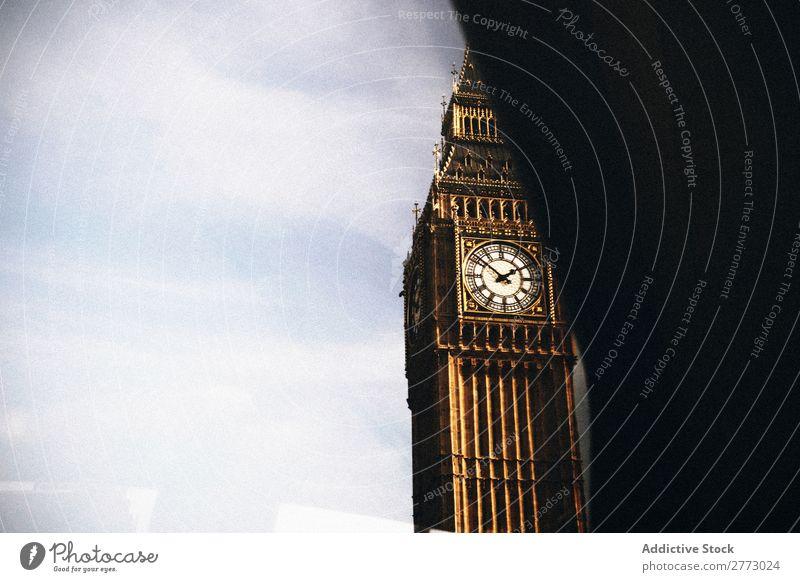 Berühmter Big Ben. Uhr Berühmte Bauten Sightseeing londoner Fluss Tag Attraktion historisch touristisch laufen Architektur Briten Themse altehrwürdig national