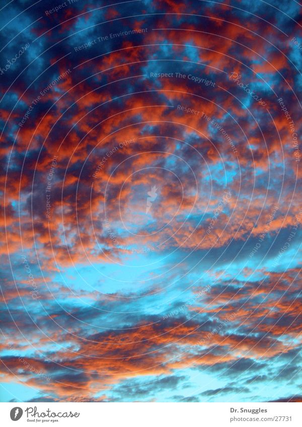 Himmlisches Farbenspiel 1 Himmel blau rot Wolken schlechtes Wetter