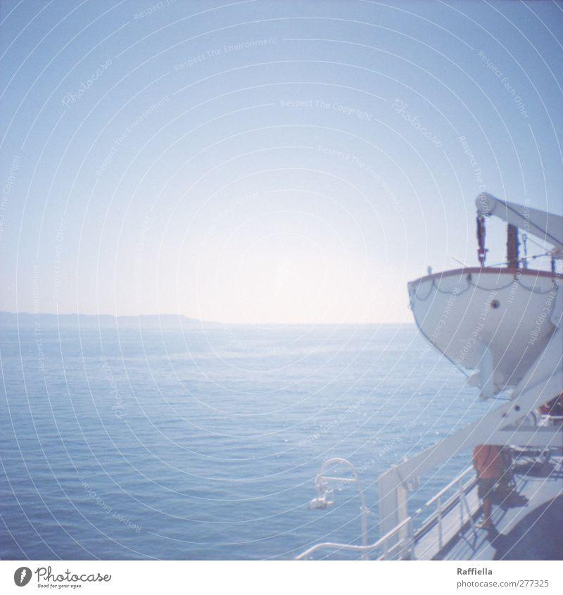 Beiboot Himmel Natur Mann blau Wasser Meer Erwachsene Umwelt Berge u. Gebirge Wärme Küste Luft hell Wasserfahrzeug Insel Schönes Wetter