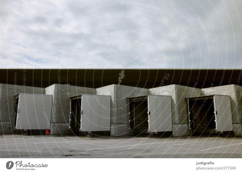 Hirtshals Himmel Wolken Hafenstadt Menschenleer Industrieanlage Bauwerk Gebäude Schifffahrt Ordnung ruhig Tor Farbfoto Gedeckte Farben Außenaufnahme