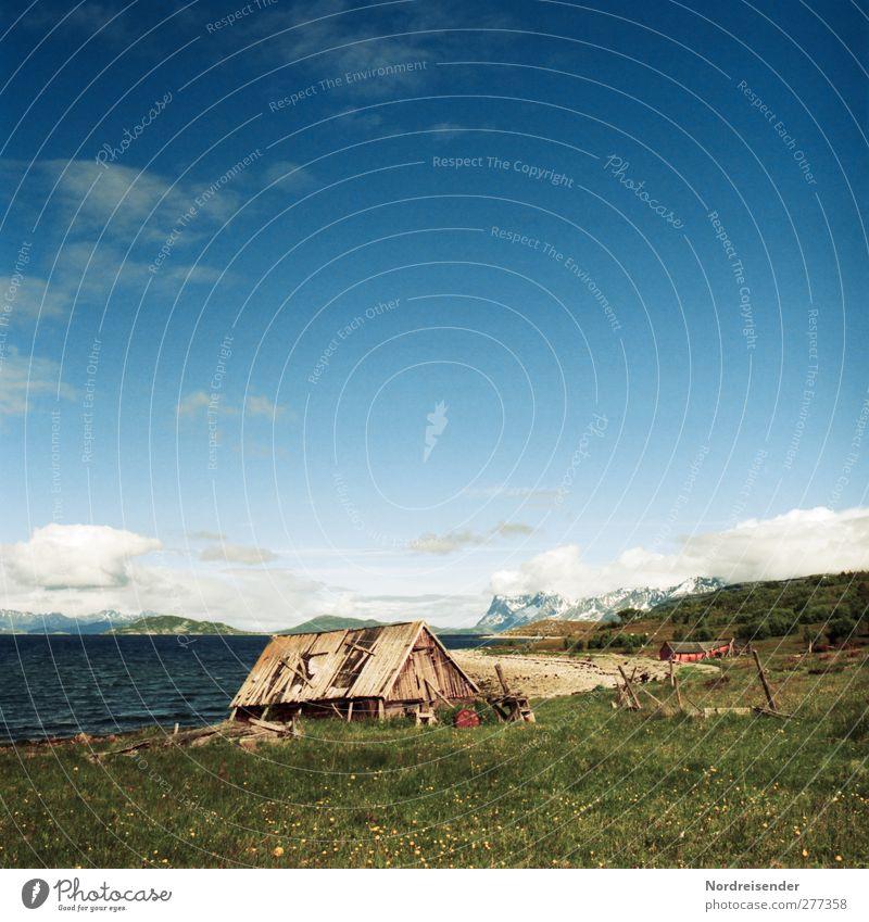 Bootshaus Himmel Natur Ferien & Urlaub & Reisen Sommer Sonne Meer Farbe Strand Einsamkeit Wolken ruhig Erholung Landschaft Ferne Wiese Berge u. Gebirge