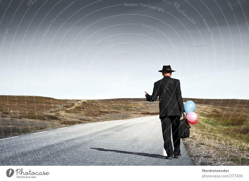 Versetzung... Lifestyle Stil sparen Karriere Mensch maskulin Mann Erwachsene 1 Landschaft Steppe Straße Wege & Pfade Anzug Hut Luftballon Kommunizieren laufen