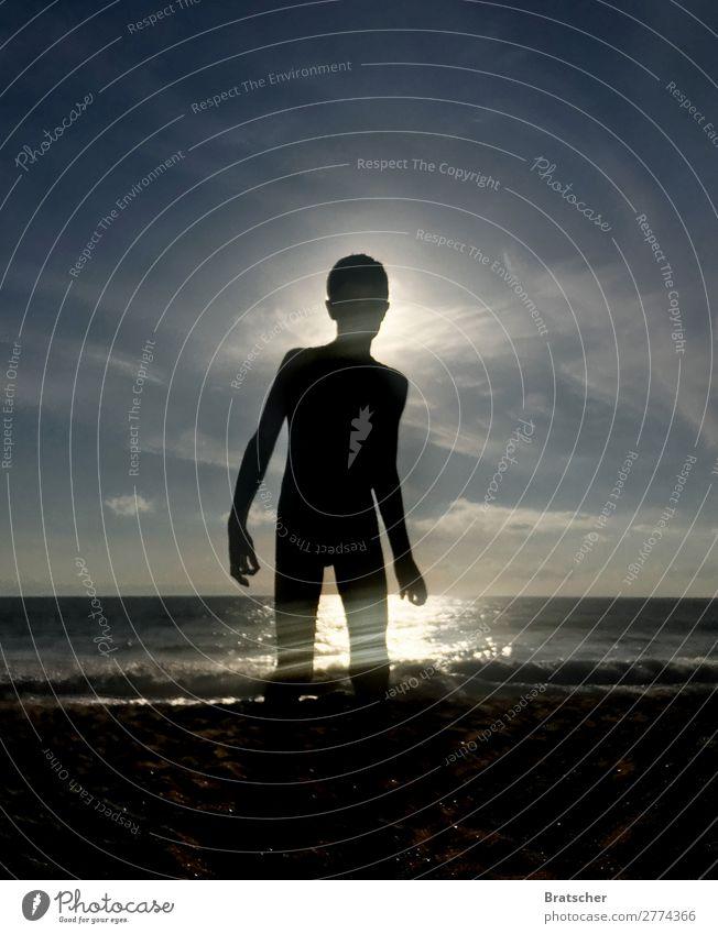 César Mensch Jugendliche Sonne Meer Strand schwarz Küste Schwimmen & Baden maskulin Körper Wellen Haut Ostsee sportlich Fernweh Wassersport