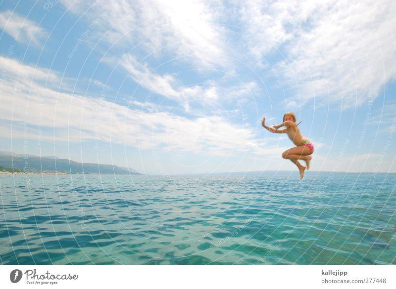 baywatch Mensch Kind Ferien & Urlaub & Reisen Sommer Sonne Meer Mädchen Wolken Ferne Leben Spielen Freiheit Küste springen Schwimmen & Baden Körper