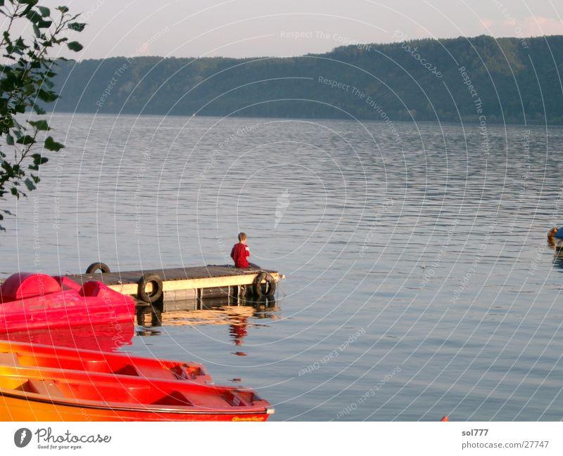 der kleine junge und das meer See Wasserfahrzeug Sehnsucht Meer Mensch Bodensee