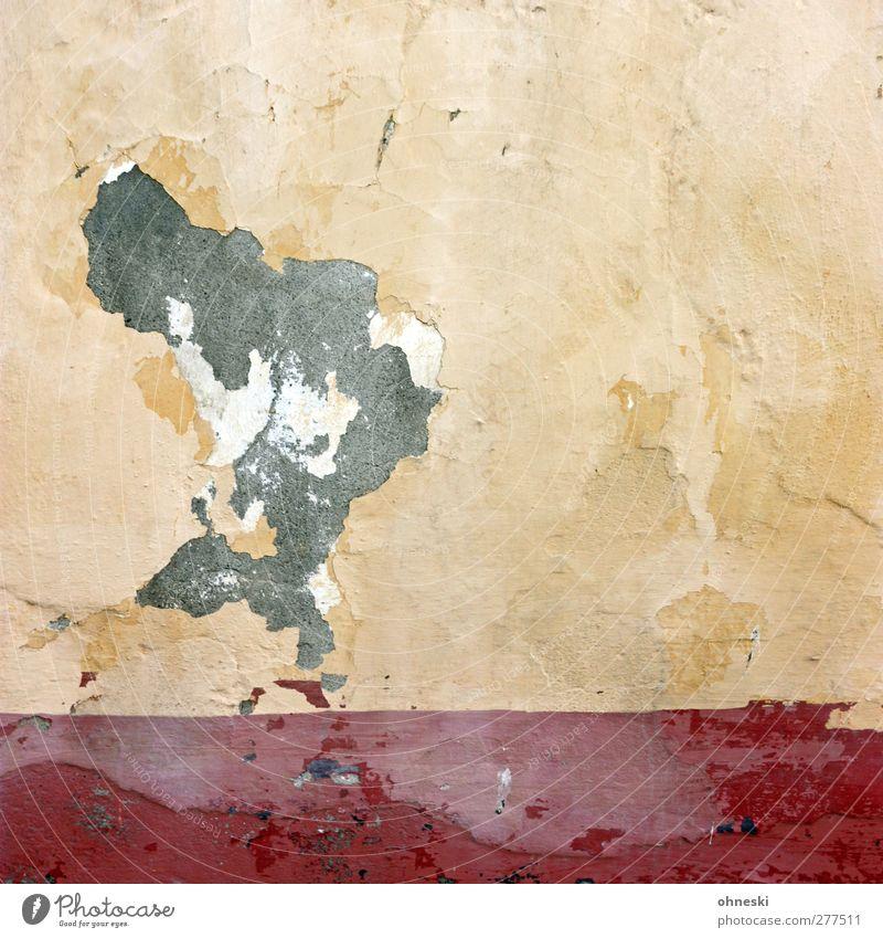 Rauchwolke Haus Bauwerk Mauer Wand Fassade Putz Stein kaputt Stadt gelb rot Verfall Zerstörung Farbfoto Außenaufnahme abstrakt Muster Strukturen & Formen