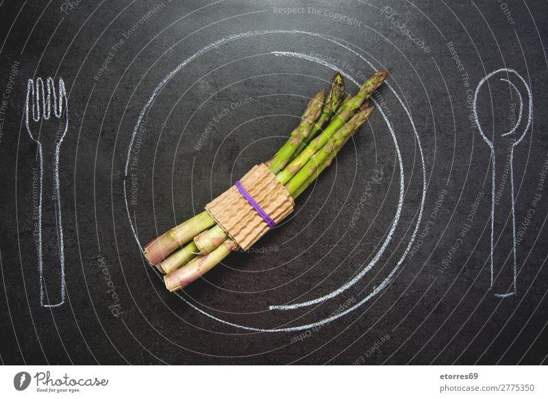 Gesunde Ernährung grün Foodfotografie schwarz Gesundheit Lebensmittel Stein frisch Tisch Tropfen Diät Konsistenz Spargel Schiefer Portion