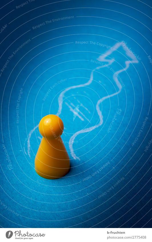 Der Weg noch vorne lernen Karriere Erfolg Pfeil gebrauchen gehen Blick wandern warten Unendlichkeit einzigartig verrückt blau gelb Beginn Bewegung Erwartung