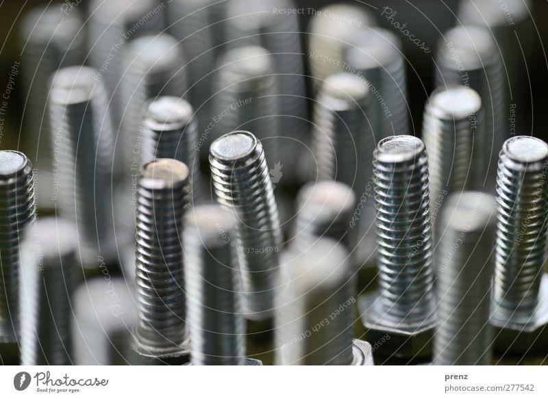 Warten auf Muttern Technik & Technologie Industrie grau schwarz silber Schraube Metallwaren Stahl Schraubengewinde Metallbau Farbfoto Außenaufnahme Menschenleer