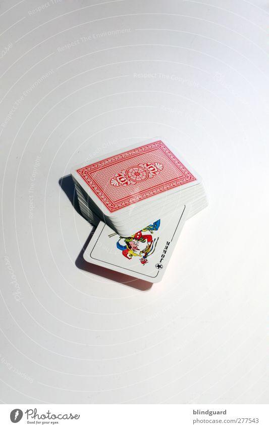 The Joker (700) Spielen Kartenspiel weiß Stapel Farbfoto Innenaufnahme Menschenleer Vor hellem Hintergrund Freisteller Studioaufnahme Objektfotografie