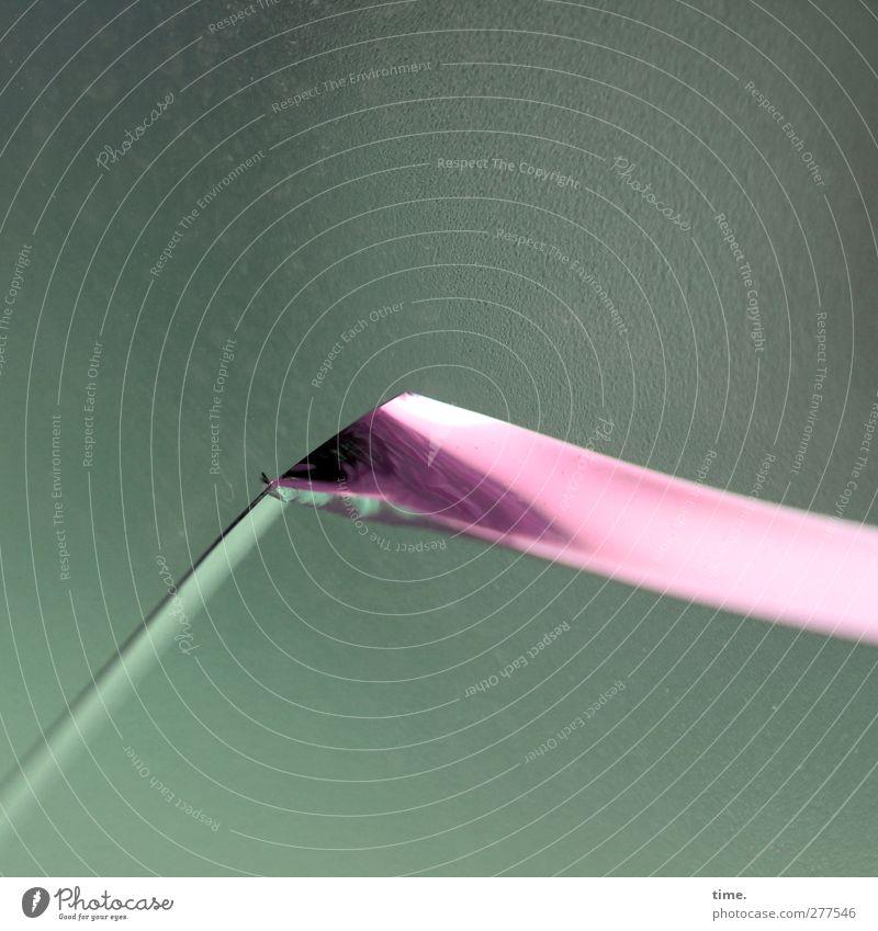 ^ Fenster Splitter ästhetisch eckig rebellisch Spitze grün rosa scharfkantig Glasbruch graphisch Farbfoto Innenaufnahme Nahaufnahme Detailaufnahme Muster