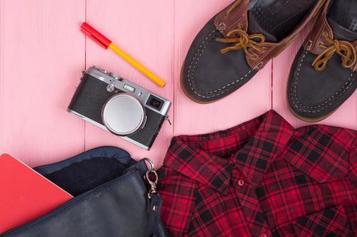 Ferien & Urlaub & Reisen blau rot Lifestyle Holz Business Tourismus Mode rosa Ausflug retro Tisch Schuhe Bekleidung Dinge Beautyfotografie