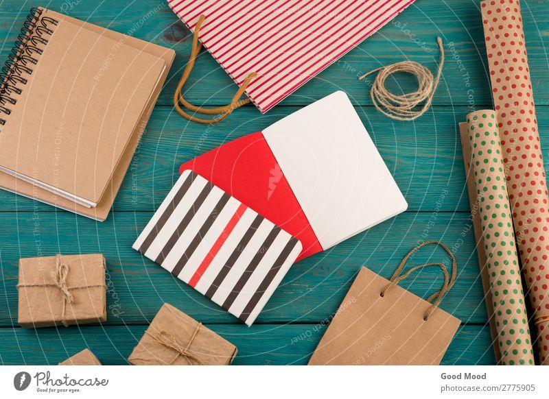 Set mit handgefertigter gestreifter Einkaufstasche, Geschenktüten, Verpackungspapier kaufen Stil Design schön Büro Handwerk Business Seil Musiknoten Rudel