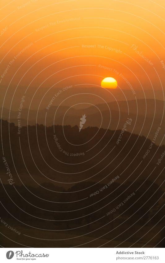 Hügel bei Sonnenuntergang Berge u. Gebirge Silhouette Natur Dunst romantisch Aussicht Landschaft Himmel (Jenseits) Sonnenlicht ruhig Düne Morgen Umwelt