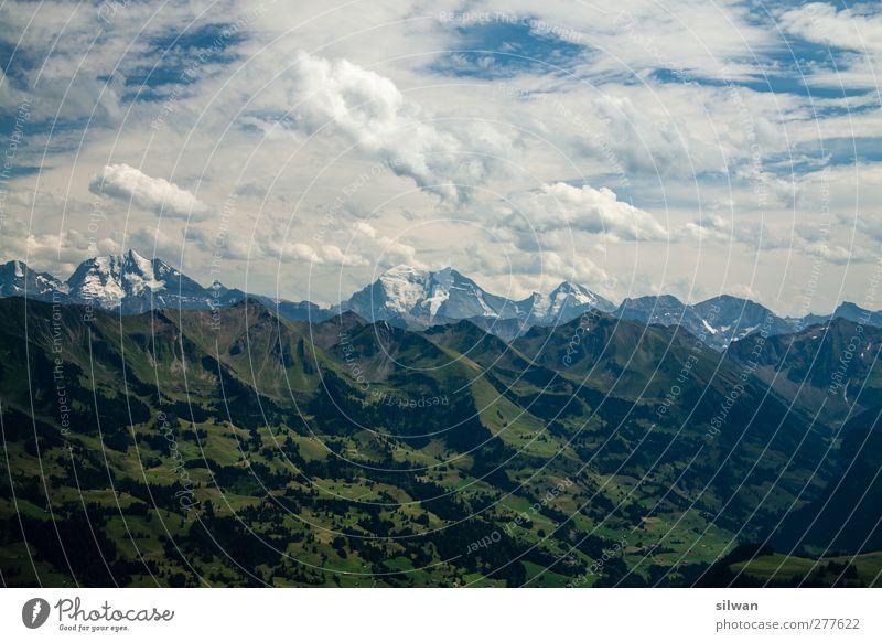 grasig grün > felsig grau > himmlig blau/weiss Himmel Natur weiß Sommer Einsamkeit Wolken Landschaft Ferne Berge u. Gebirge Horizont Felsen Zufriedenheit