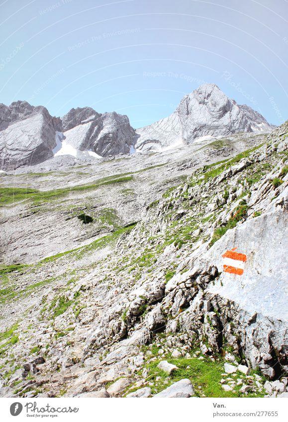 Finde den Weg Ferien & Urlaub & Reisen Berge u. Gebirge wandern Natur Landschaft Erde Himmel Wolkenloser Himmel Sommer Schönes Wetter Gras Felsen Alpen Stein