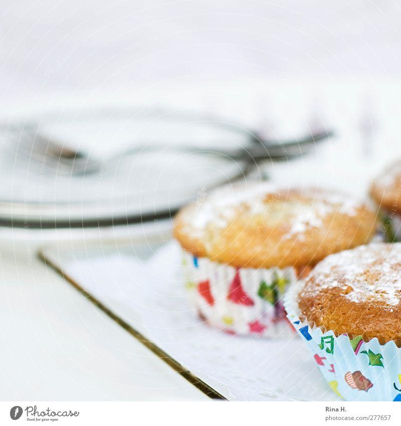 Himbeer-Marzipan hell süß lecker Geschirr Quadrat Teller Backwaren Teigwaren Gabel Muffin