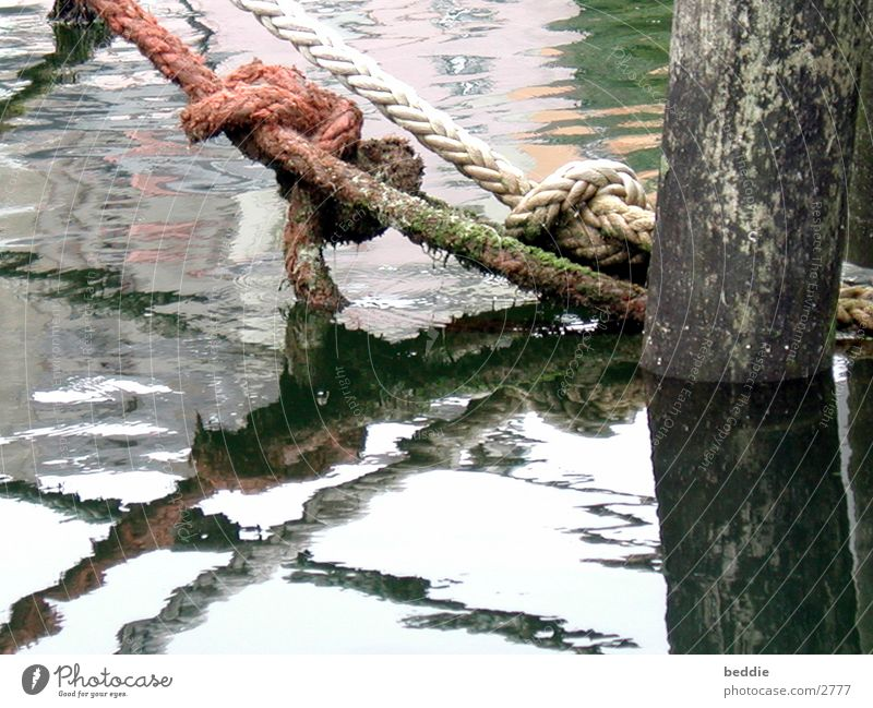 Taue 1 Wasser Wasserfahrzeug Seil Steg historisch festbinden