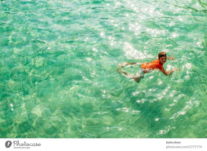 haie? wo? | gedankenspiele Kind Mensch Ferien & Urlaub & Reisen Meer Erholung Ferne Strand Gesicht Beine Küste Familie & Verwandtschaft Junge Tourismus Freiheit