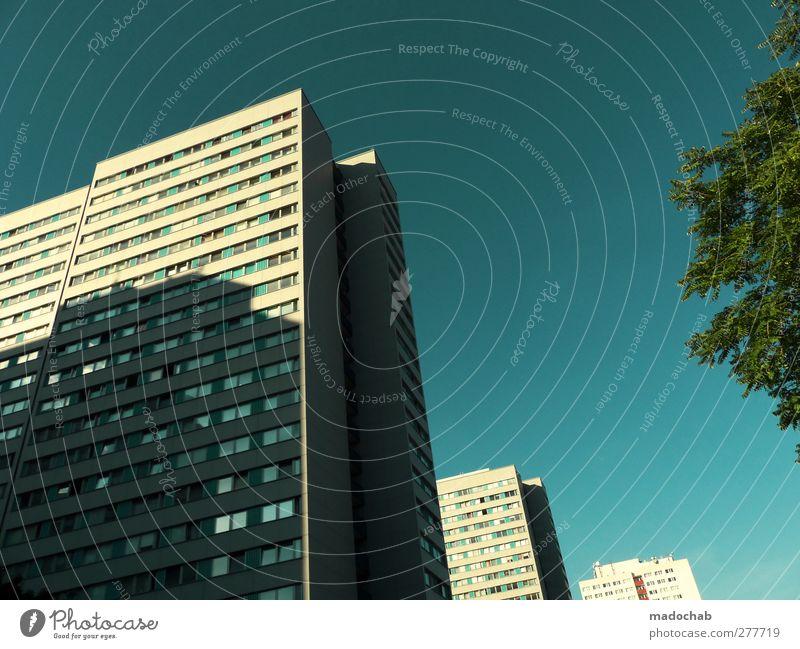 Roots Manuva nur Himmel Schönes Wetter Stadt Skyline Hochhaus Gebäude Architektur Fassade ästhetisch eckig gigantisch glänzend groß Unendlichkeit diszipliniert