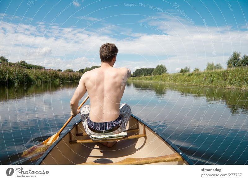flussabwärts maskulin Junger Mann Jugendliche Leben Rücken 1 Mensch 18-30 Jahre Erwachsene Natur Landschaft Wasser Himmel Wolken Sommer Schönes Wetter Sträucher