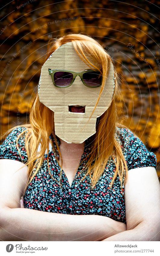 Evil Pappmarella is facing you! Mensch Frau Jugendliche Erwachsene Junge Frau Kopf verrückt einzeln geheimnisvoll Maske verstecken trashig langhaarig