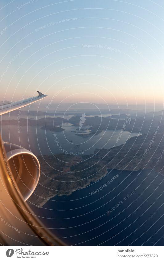 ab in den süden blau Ferien & Urlaub & Reisen schön Sommer Meer Ferne oben Stimmung rosa fliegen hoch Insel Flugzeug Luftverkehr Unendlichkeit Fernweh