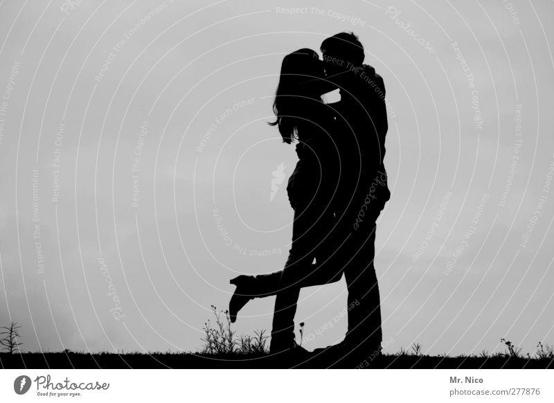 All I want is You Paar 2 Mensch 18-30 Jahre Jugendliche Erwachsene Damenschuhe langhaarig berühren genießen Küssen Glück Sympathie Freundschaft Zusammensein