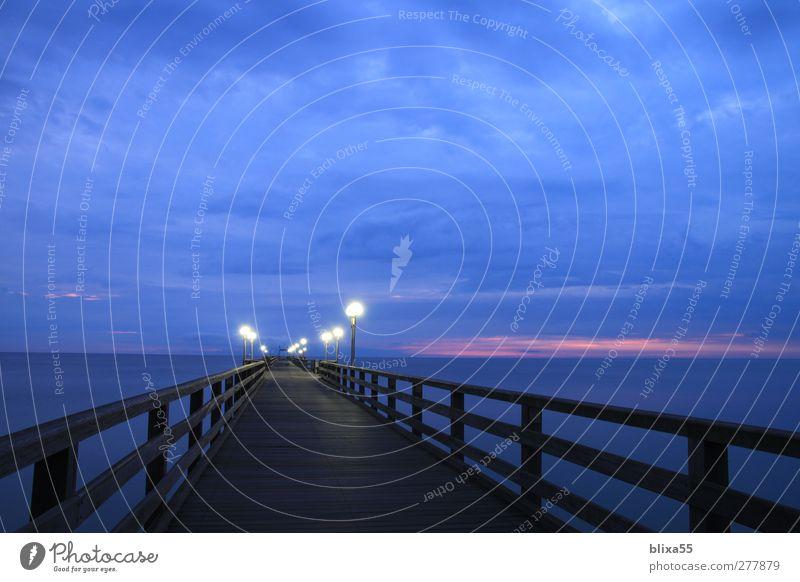 Seebrücke Himmel blau Einsamkeit Horizont Deutschland orange Europa Brücke Unendlichkeit violett Ostsee Schifffahrt Fußgänger Nachthimmel Kreuzfahrt Rügen