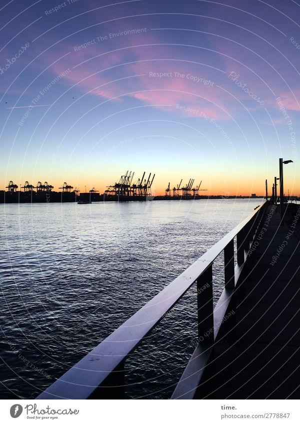 elbabwärts | Fernweh Wasser Himmel Wolken Horizont Winter Schönes Wetter Küste Flussufer Elbe Hamburg Hamburger Hafen Hafenstadt Skyline Industrieanlage