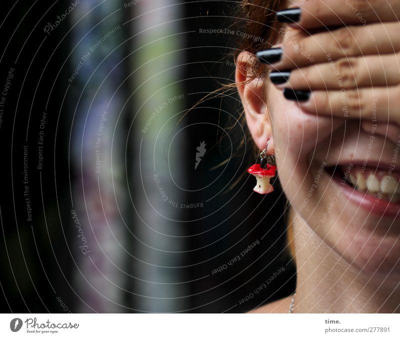 . Mensch Frau Jugendliche schön Freude Erwachsene dunkel feminin Leben lachen lustig 18-30 Jahre Zufriedenheit Mund Fröhlichkeit Finger