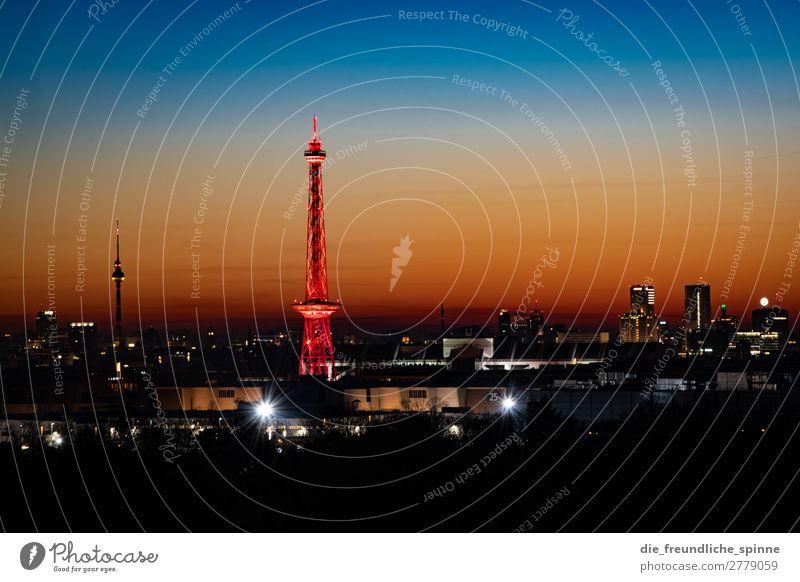 Morgendämmerung über Berlin blau Landschaft rot Winter Ferne schwarz gelb Deutschland orange gold Aussicht Europa Schönes Wetter Turm Sehenswürdigkeit