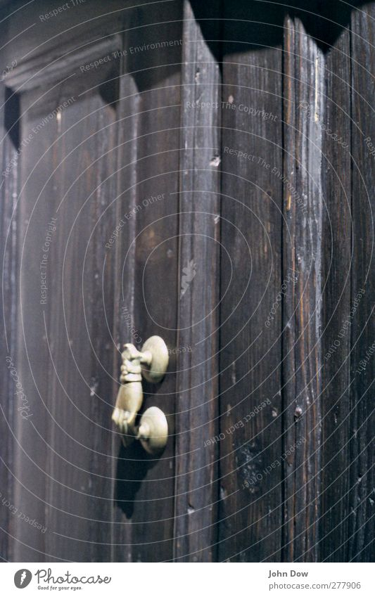knock - knock Hand Holz Tür fantastisch analog exotisch Märchen Griff Griechenland Eingangstür klopfen einladend Knauf Türrahmen Türklopfer