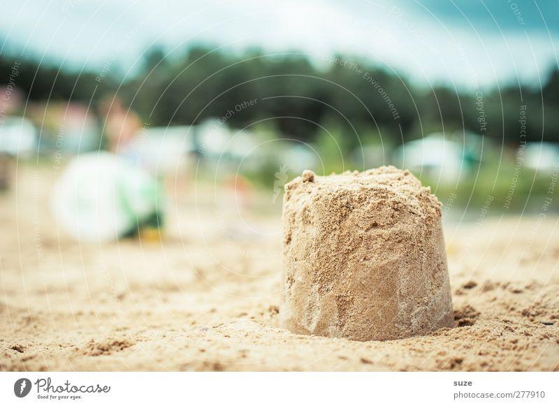 Sandkuchen Himmel Natur Ferien & Urlaub & Reisen Sommer Sonne Strand Umwelt Spielen klein Sand Kindheit natürlich Freizeit & Hobby authentisch Lifestyle Urelemente