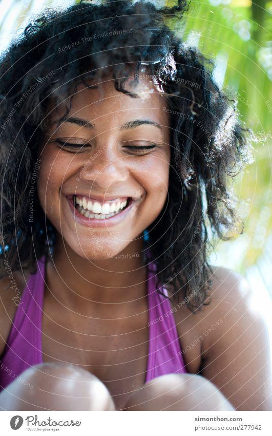 smile Mensch Jugendliche Ferien & Urlaub & Reisen schön Sommer Sonne Freude Strand Erwachsene Gesicht feminin Leben Junge Frau Gefühle Haare & Frisuren lachen