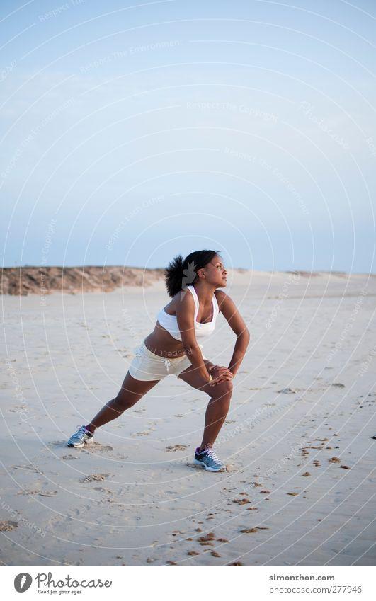 stretching Mensch Ferien & Urlaub & Reisen schön Sommer Sonne Meer Freude Strand ruhig Ferne Sport Leben Freiheit Glück Gesundheit Zufriedenheit