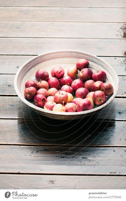Natur Sommer rot Holz Herbst natürlich Frucht frisch Tisch lecker Gemüse Apfel Vegetarische Ernährung Schalen & Schüsseln reif rustikal