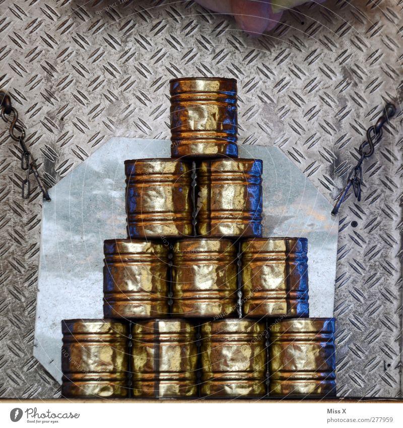 Dosenpfand Jahrmarkt alt glänzend werfen Buden u. Stände verbeult Erfolg zielen umfallen Farbfoto Nahaufnahme Strukturen & Formen Menschenleer