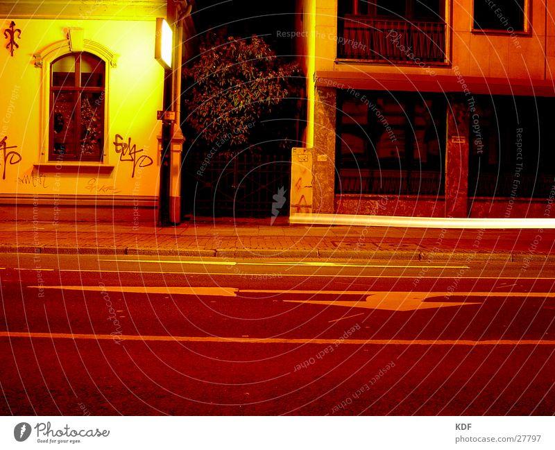 ...nachts umtribig... Baum Stadt gelb Straße Bewegung Bremen
