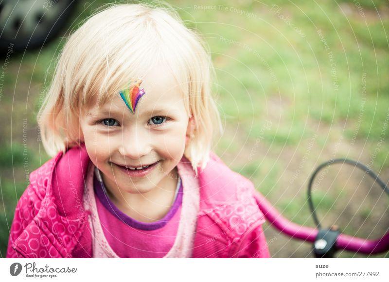 Glücklich, weil Tattoo anne Stirn Mensch Kind Sommer Freude Mädchen Gesicht Haare & Frisuren lachen klein Kopf blond Kindheit rosa Freizeit & Hobby Fröhlichkeit stehen