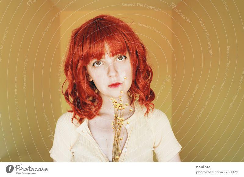 Frau Mensch Jugendliche Junge Frau Sommer schön weiß rot Blume Einsamkeit 18-30 Jahre Gesicht Lifestyle Erwachsene Wärme gelb