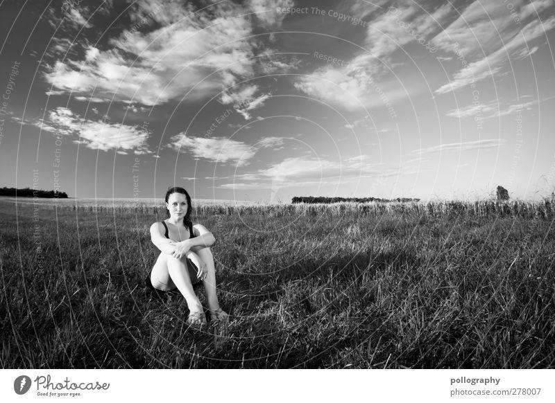 sitting, waiting, wishing Mensch Frau Himmel Natur Jugendliche Sommer Pflanze Wolken ruhig Erwachsene Wald Landschaft Wiese feminin Leben Junge Frau