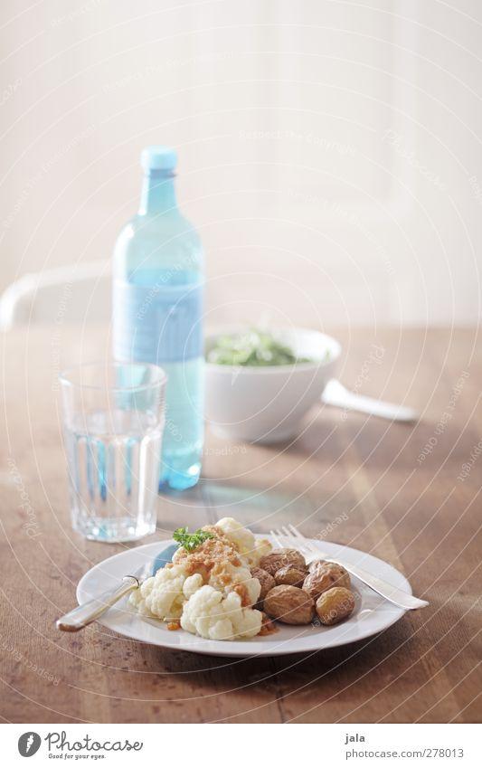 mittagessen Lebensmittel Gemüse Salat Salatbeilage Blumenkohl Kartoffeln Ernährung Mittagessen Bioprodukte Vegetarische Ernährung Getränk Erfrischungsgetränk